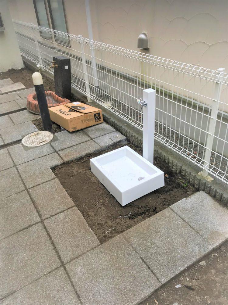 外構工事 シャープな水栓