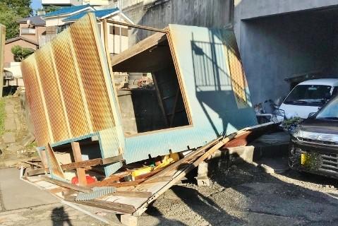 台風建物被害5 物置飛んだ