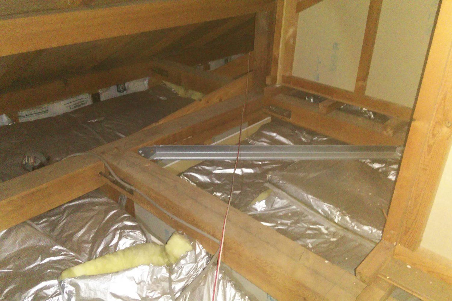 小屋裏空間がまるごと断熱区画がされていない状態