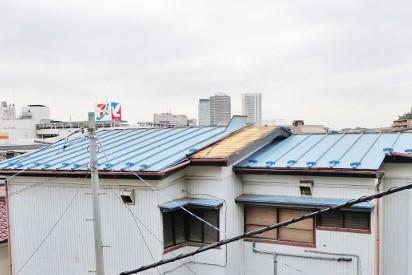 建物台風被害3 トタン剥がれ