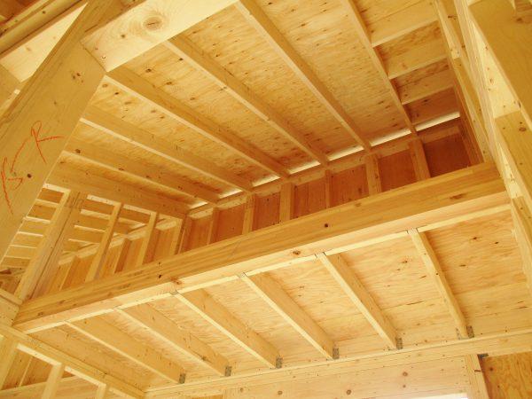 勾配天井部分の小屋組