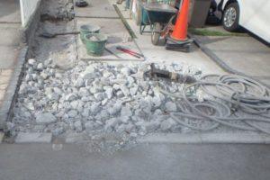 【天然石で石張り外構工事】趣がある車庫土間に♪