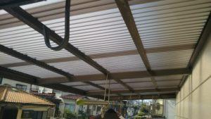 ベランダ波板屋根張替え